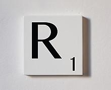r - tessera decorativa in legno