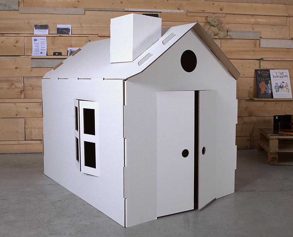 Casa in cartone per bambini - Costruire una casetta di cartone per bambini ...