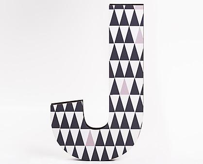 lettera in legno J trama triangoli grigi