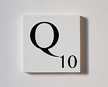 q - tessera decorativa in legno